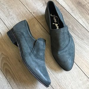 Free People Casey leather pointed toe Loafer 35